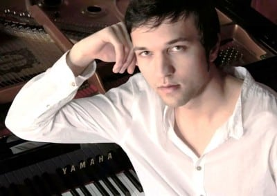 Pianist Anto Bayram Karamenderes