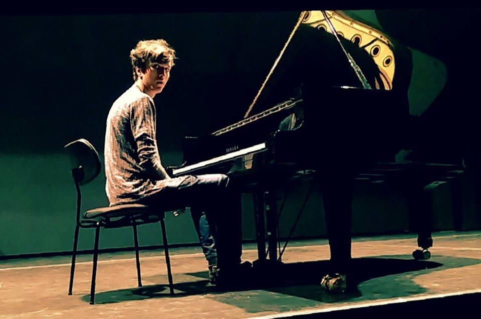 Pianist Anto Bayram Karamenderes (klassiek)